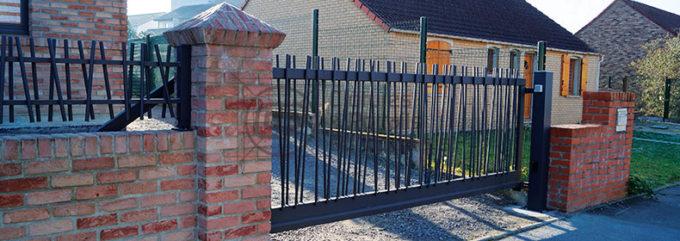 ouvrant-portail-autoportant-barreaude-acier-bambou-01